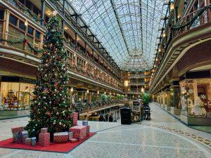 Suur Ehitud jõulupuu